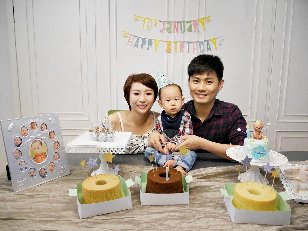 [親子] 丸子的一歲生日趴(Candy Wedding蛋糕&佈置介紹)